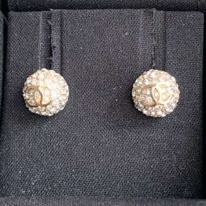 💯 AUTHENTIC Chanel earrings ball/round studs NEW